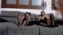 Chat de sexo com Mia Linz e Karol Wins na Casa das Brasileirinhas