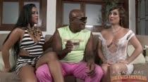 Kid Bengala fode com morenas em vídeo pornô das Brasileirinhas