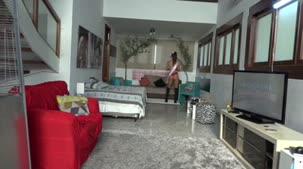 Shayenne Samara desfilou vestindo sua faixa de Miss Brasileirinhas