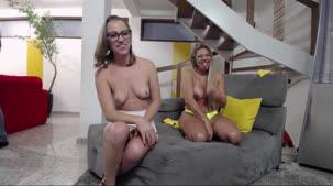 Chat de sexo duplo na Casa das Brasileirinhas com Juju e Monique