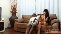 Kid Bengala tentou convencer Loren a chupar seu pau!