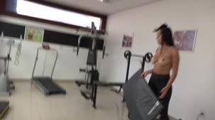 Monique Bastos treinou na academia da Casa