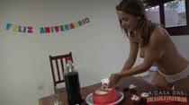 Paola Gurgel fez aniversário e a produção preparou uma surpresa para ela
