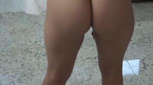 Hora do desfile de lingerie com Rafaela Nakamura