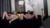 Chat de sexo com Alice Alcantara e Bella Ferrara peladas