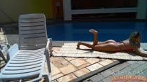 Veja Angel Lima peladinha na piscina da Casa das Brasileirinhas!