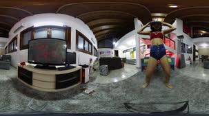 Carolina Carioca dançou funk em 360º