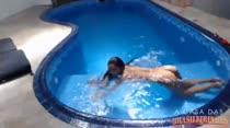 Peladinha na piscina, Tainá Monteiro na hidromassagem