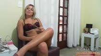 Loira Gostosa Pamela | Chat com Internauta | A Casa das Brasileirinhas