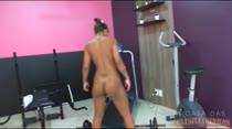 Que delícia Emily Brasil fazendo academia ao vivo e rebolando sem parar