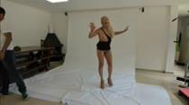 Holly de visual novo em seu segundo ensaio sensual