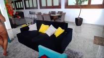 Sara Rosa dançou zouk na Casa das Brasileirinhas