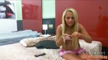 Chat com a novinha mais safada da casa, a carioca Andressa