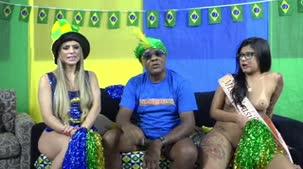 Kid Bengala apresentou a Miss Brasileirinhas Amanda Souza