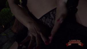 Streaptease, show da Kamila Gomes tirando a roupa sensualmente