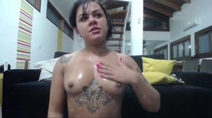 Giovanna Ferry nua na Casa das Brasileirinhas