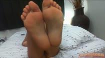 Peladinha na cama, Agatha Rangel fala muita putaria no chat