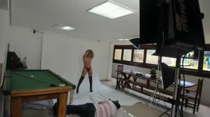 Nicole Hilton nua pela primeira vez na Casa das Brasileirinhas
