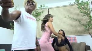 Kid Bengala apresentou Shayenne e se despediu de Mariana Torres