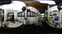 Primeira gravação de pornô em 360º na Casa das Brasileirinhas
