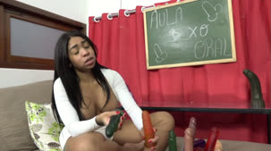 Confira a aula de sexo oral com Bibi Griffo