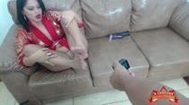 Yara Rocha seduz assinantes com seus pezinhos