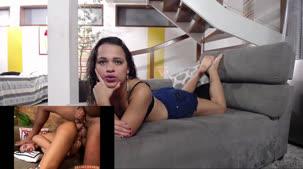 Hora de curtir o filme pornô com a gata Carolina Carioca