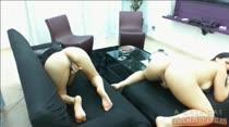 Hora da siririca! Paola e Ingrid metem a mão nas bucetas
