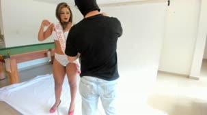 Luna Oliveira chegou até o reality show e posou nua mais uma vez
