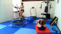 Gostosas treinam peladas na academia das Brasileirinhas