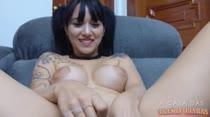 Lissy Franco mostra força da bucetinha em pompoarismo