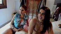 Último chat de sexo de Sara e Laura