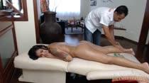 Confira Juju na famosa massagem erótica