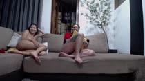 Chat de sexo com as gostosas da vez: Safira Prado e Thiara Fox