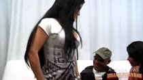 Kid Bengala faz a farra vestido de policial com Bruna Ferraz a musa das fardas, Paty UPP!