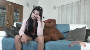 Loren Porno, ninfetinha no chat de sexo ao vivo