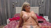 Cibelle Mancini faz seu primeiro chat de sexo na Casa!