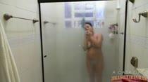 Veja a gostosa da Paloma no banho sensual, que delicia!