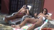 Irmãs Blu |Banho de sol| A Casa das Brasileirinhas