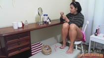 Pintando as Unhas | Julia Almeida | A Casa das Brasileirinhas