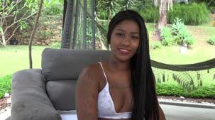 Jeniffer Blu contou como foi passar uma semana na Casa das Brasileirinhas