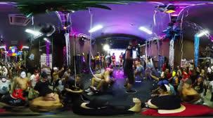 Carnafunk AO VIVO rolaram diretamente de São Paulo. Veja os bastidores do Carnaval pornô em 360º