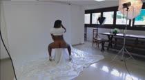 Ana Júlia posa para fotos sensuais na Casa das Brasileirinhas