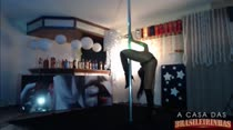 Juliana Ramos dança no Pole Dance ao vivo!