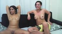 Thiara Fox e Sara Rosa fizeram sexo ao vivo no chat pornô
