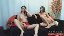 Assista duas novinhas gostosa fazendo putaria na webcam ao vivo