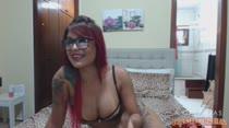 Anny Lee faz sorteio e se exibe com estilo no Chat de Sexo!