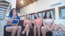Três morenas e uma loira no chat pornô das Brasileirinhas