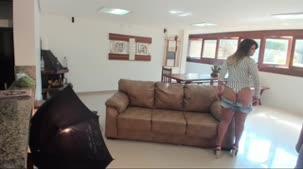 Luna Oliveira posando nua pela primeira vez na Casa