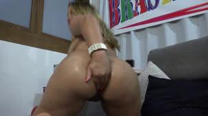 Confira tudo o que Bruna Safadinha faz na hora do sexo anal